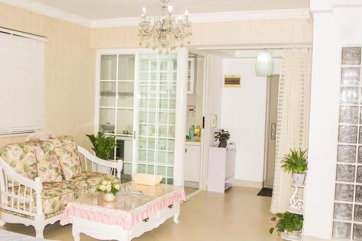 (3)繁华阳光100小区精装一房,可做饭洗衣