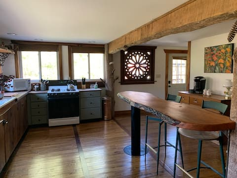 Handcrafted Rustic Cabin on the Bourbon Trail