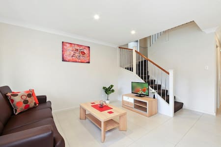 ALPINE PLACE VILLA 26 - Great for Larger Groups - Carnes Hill - House