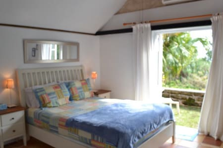 Beach cottage: 3 min. walk to beach - paget - Rumah
