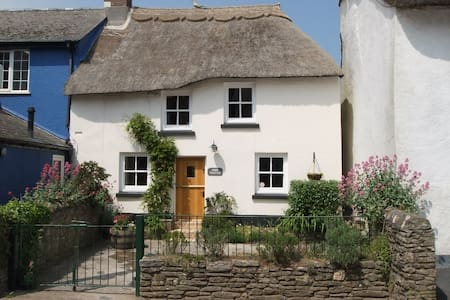 Hope Thatch, luxury thatched cottage near beaches - Malborough - Rumah
