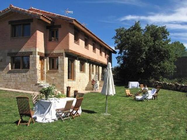 Casa de campo para 12 personas a 12 km de Soria