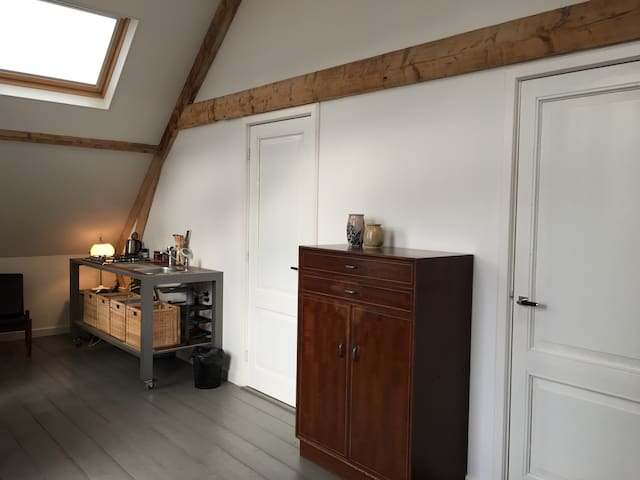 B & B De Bovenkamer - comfortable & friendly