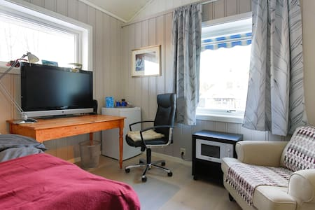 Very airy studio with amenities close to Oslo AP - Jessheim - Casa