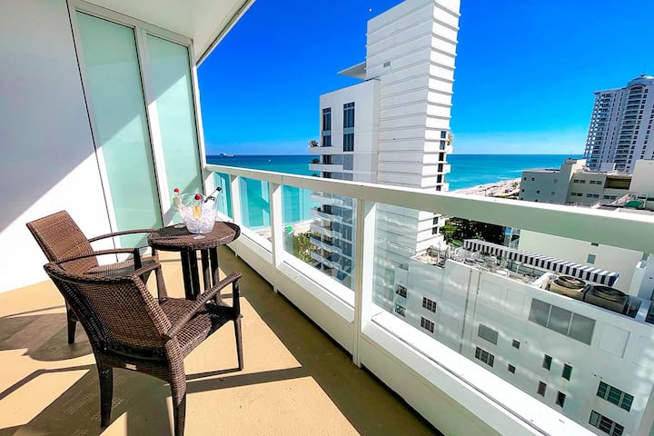 FontaineBleau Resort, Balcony w/ Ocean + City View