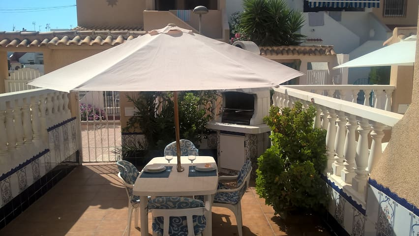 100 m beach, BBQ, WiFi and TV Satellite