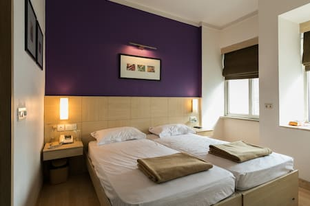 Short Stay Home Cabana - Ghaziabad - Departamento
