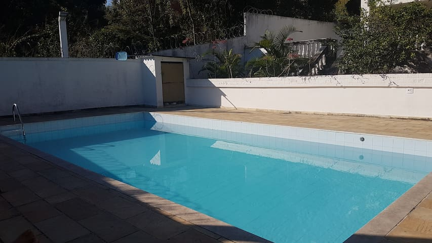 Suíte e piscina no Rio de Janeiro - Rio de Janeiro