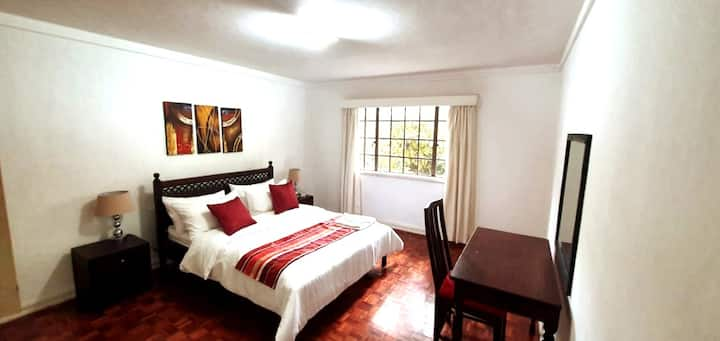 School Lane, Two Bedroom Furnished Apartment