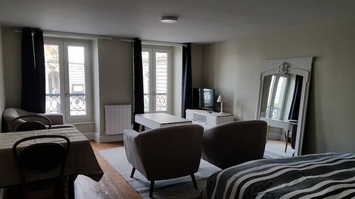 Appart'hotel Mairie - Grand Studio Saint Mathieu