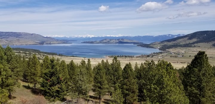 Mountain Retreat Overlooking Flathead Lake