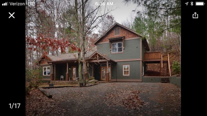 Guest Suite in the Woods minutes from downtown