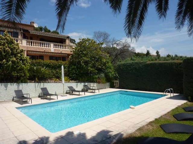 Beautiful villa with heated pool and sea view - Mandelieu-la-Napoule - Villa