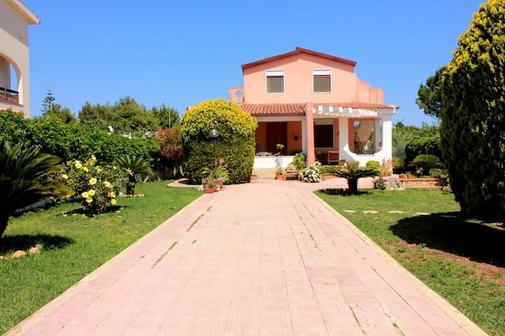 Casa Vacanze Ognina Siracusa a 250 metri dal mare - Ognina - Rumah