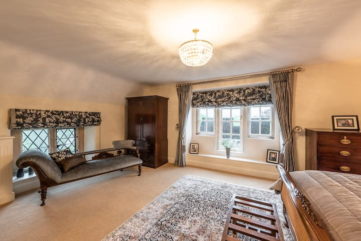 Gaskell Family Suite