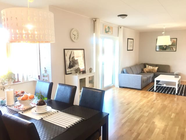 Charming & modern Apt. near Center - Karlstad - Daire