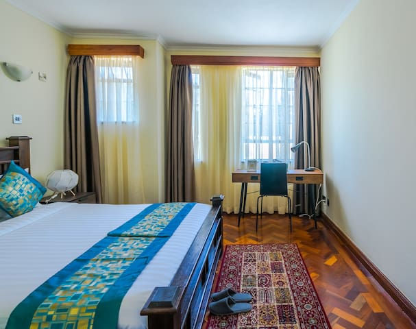 The Cottage Guest House - Deluxe Double Room 2