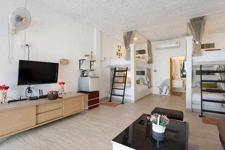 4 Bed❤️Best Location near Old city with bathtub