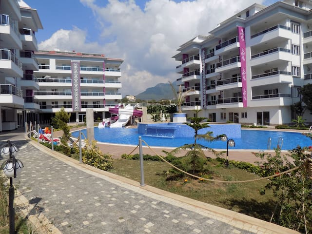### LUXURY HOLİDAY FOR LİTTLE MONEY### IN ALANYA - Alanya - Hotellipalvelut tarjoava huoneisto
