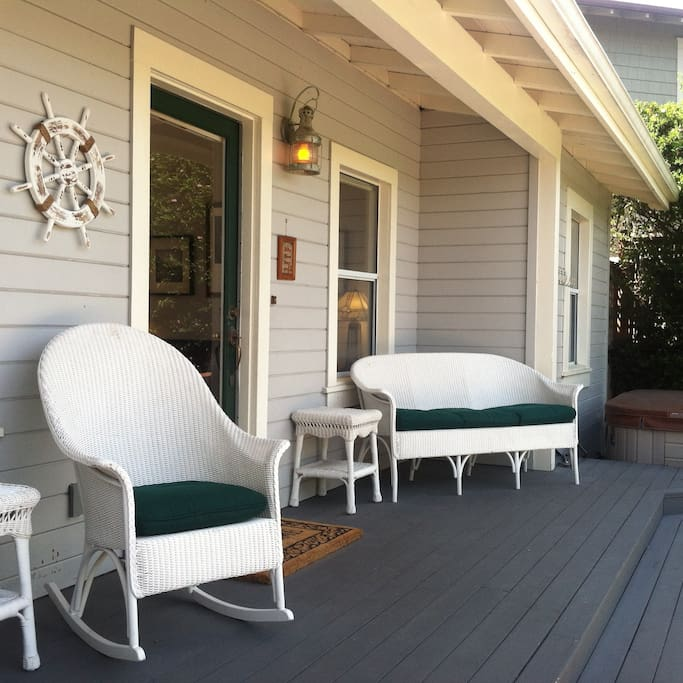 Front porch with hot tub