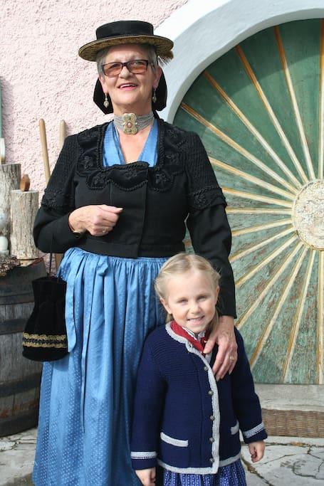 Eva mit Enkelin
