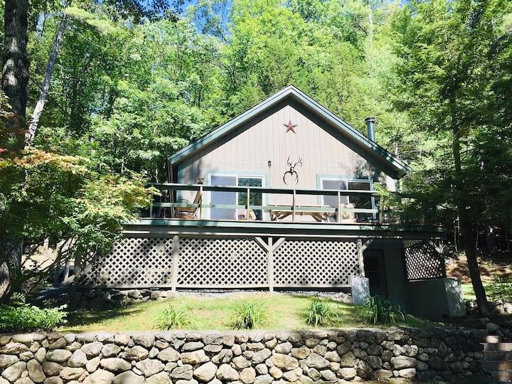 Peaceful Sunapee Lake/Ski Cottage, Family-friendly