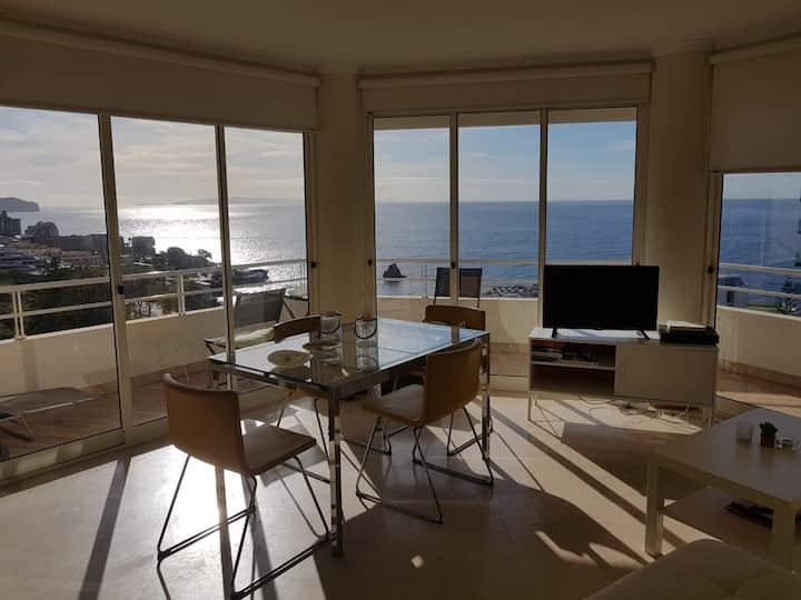 The Architect Apartment with Infinite Ocean View