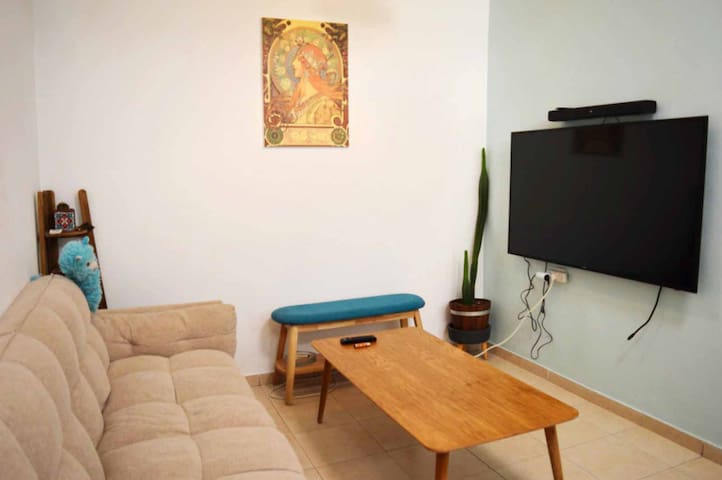 SUNNY AND CUTE APARTMENT IN FLORENTIN
