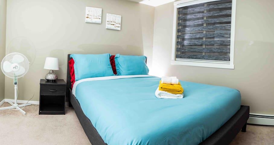 Comfy queen in bedroom 1