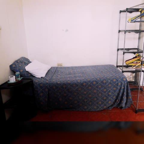 La Guayaca (Valdivia Room)