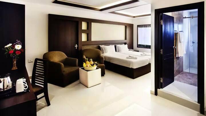 Graceful Deluxe Room close to Cherai Beach