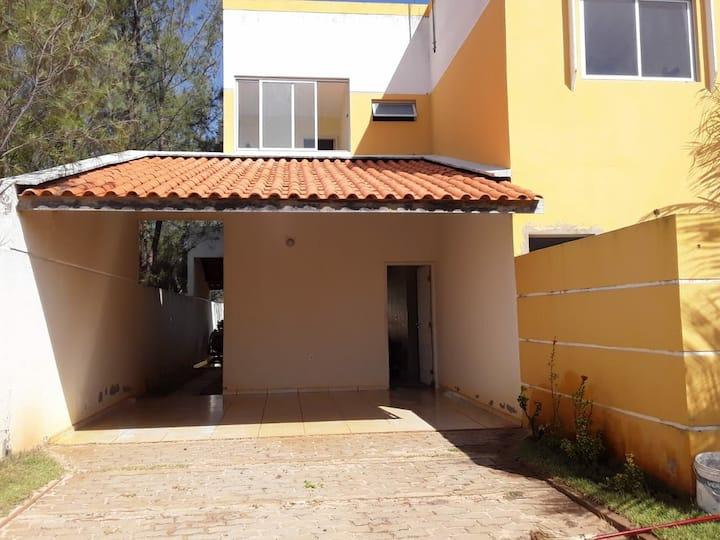 Casa em condomínio fechado na Praia do Coqueiro.