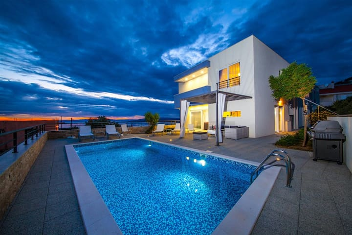 ctma110 - Modern semi-detached house with private pool in Makarska, max 6 + 2 persons