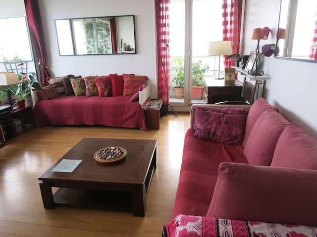 Chambre avec vue et balcon