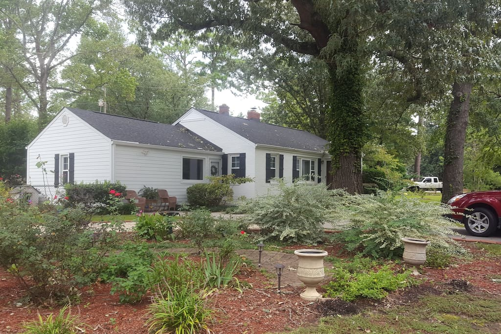 High Oaks Cottage in Aiken