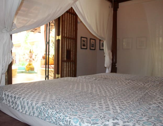One bed apartment in peaceful yoga centre setting