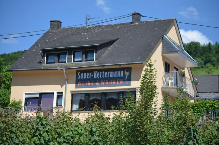 Weine und Wohnen Sauer-Kettermann