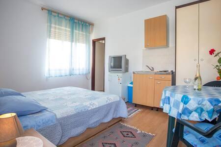 Apartment Suzana / Studio - Pula