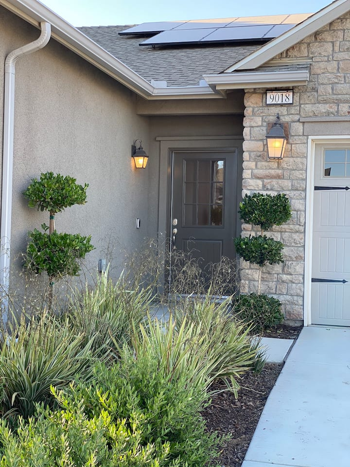 NEW MODEL HOME NEAR BFL AIRPORT