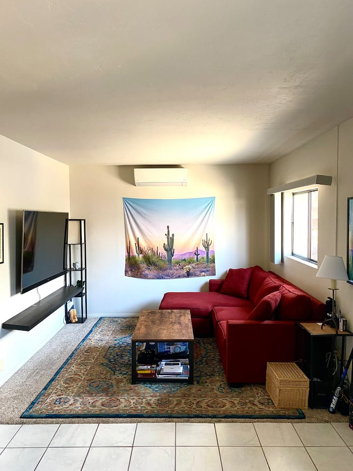 Pacific beach apartment, parking included