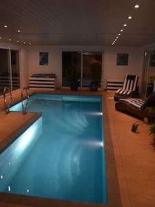 Chambres très agréables - Pont-la-Ville - Dom