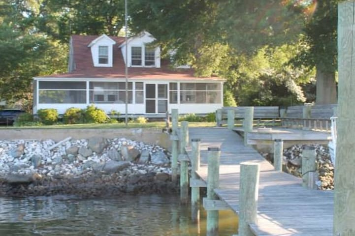Waterfront w/ Private Pier, 35 Mins to Annapolis