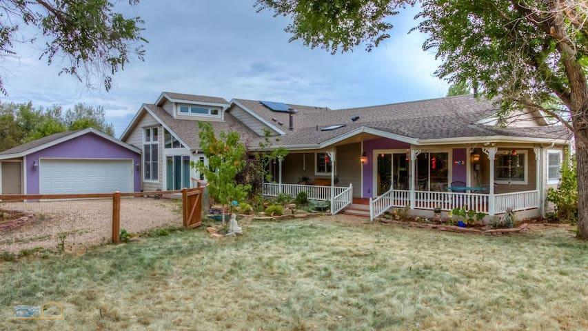 Beautiful and Spacious Home in Eldorado Springs