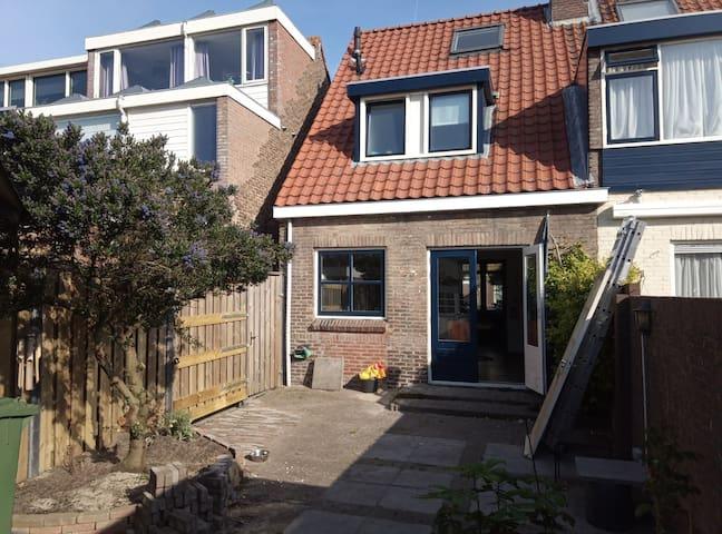 Hele woning aan de kust en dichtbij Amsterdam