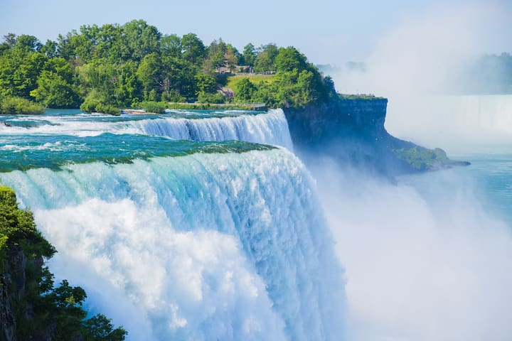 A gateway to Niagara Falls...just 16 miles away and very easy to get to ;-)