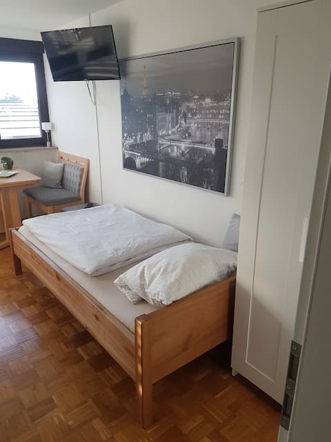 TOP Apartment mit eigenem Bad & Küche! Stadtrand