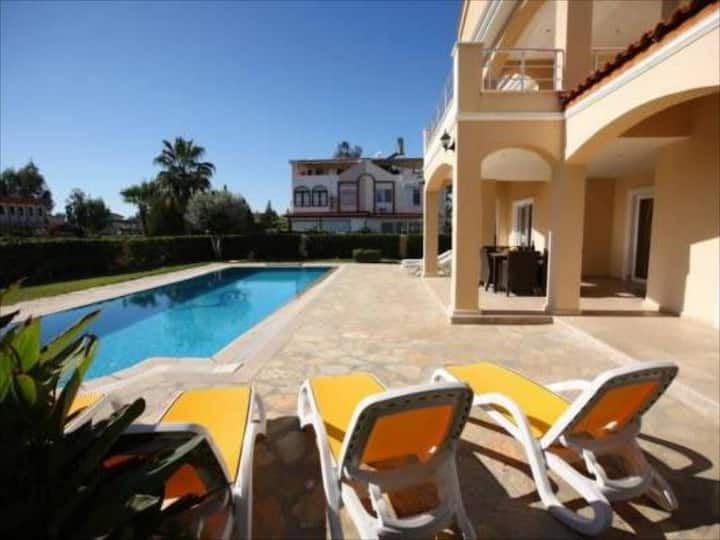 PALM LINE LUXURY WITH PRIVATE POOL VILLA