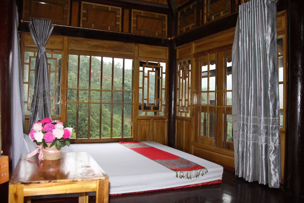 Double bed room with mountain view