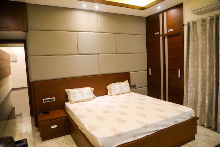 Anand Homes  Single room
