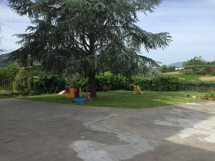 App. Valmontone, giardino vicino Rainbow Magicland